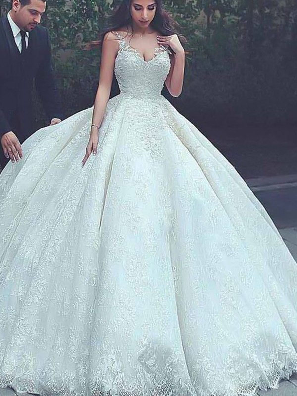 Ball Gown Spaghetti Straps Sleeveless Sweep/Brush Train Wedding Tulle Dresses with Lace