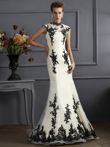 Trumpet/Mermaid High Neck Short Sleeves Applique Mother of the Bride Dress with Long Organza