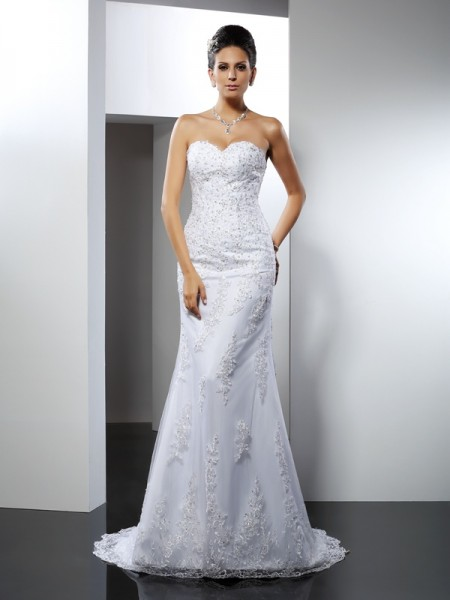 Trumpet/Mermaid Sweetheart Lace Long Satin Wedding Dress