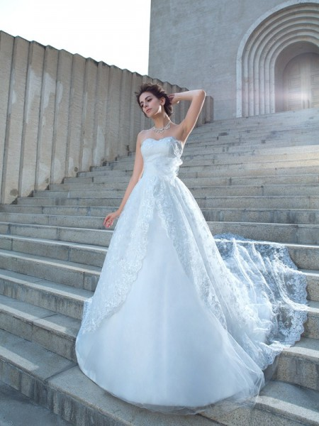 Ball Gown Sweetheart Lace Lace Wedding Dress