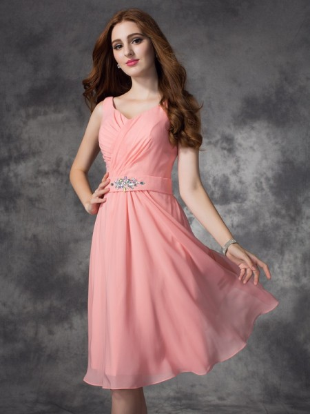 A-line/Princess Straps Rhinestone Short Chiffon Bridesmaid Dress