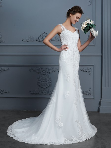 Trumpet/Mermaid V-neck Sleeveless Court Train Lace Tulle Wedding Dress