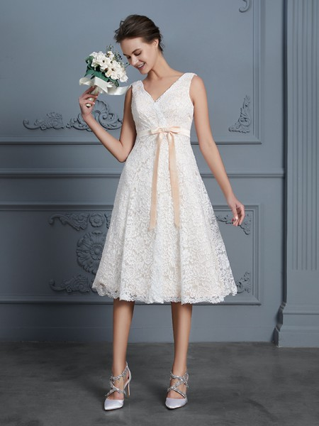A-Line/Princess V-neck Sleeveless Knee-Length Lace Bowknot Wedding Dress