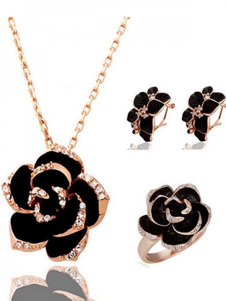 Charming Alloy With Crystal Hot Sale Jewelry