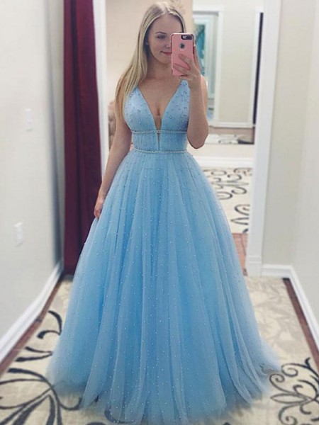 A-Line/Princess Sleeveless V-neck Long Pearls Tulle Dress