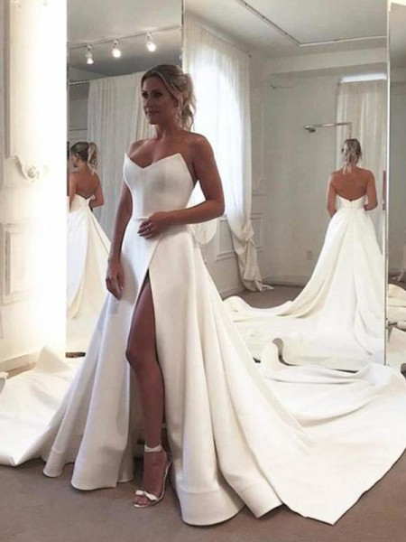 A-Line/Princess Sleeveless Ruffles Sweetheart Satin Court Train Wedding Dress