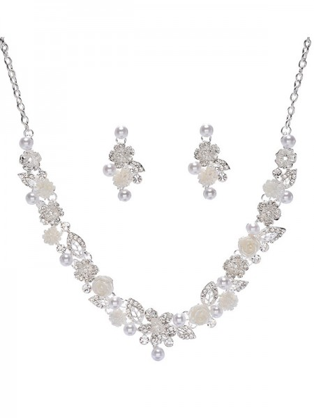 Trending Alloy With Pearl Bridal Jewelry