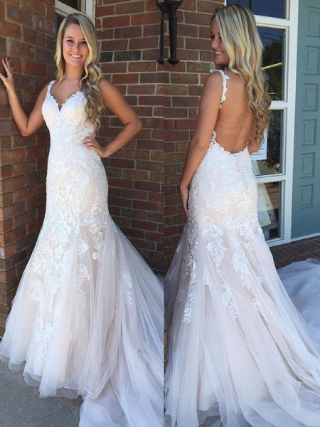Trumpet/Mermaid Sleeveless V-neck Sweep/Brush Train Applique Wedding Dresses with Tulle