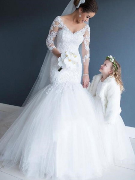 Trumpet/Mermaid V-neck Tulle Lace 3/4 Sleeves Court Train Wedding Dress