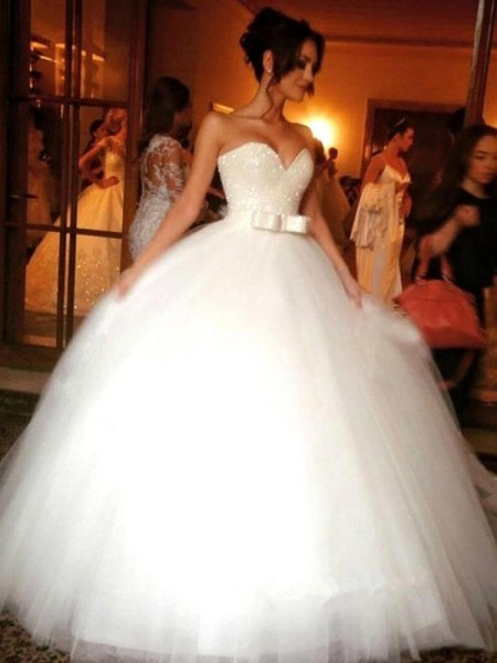 Ball Gown Sweetheart Tulle Floor-Length Wedding Dress