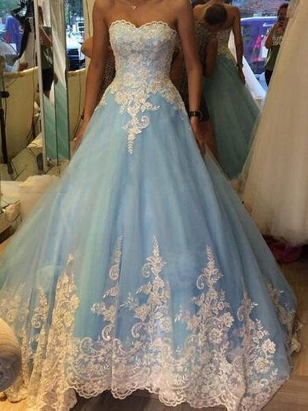 Ball Gown Sweetheart Applique Tulle Sweep/Brush Train Dress